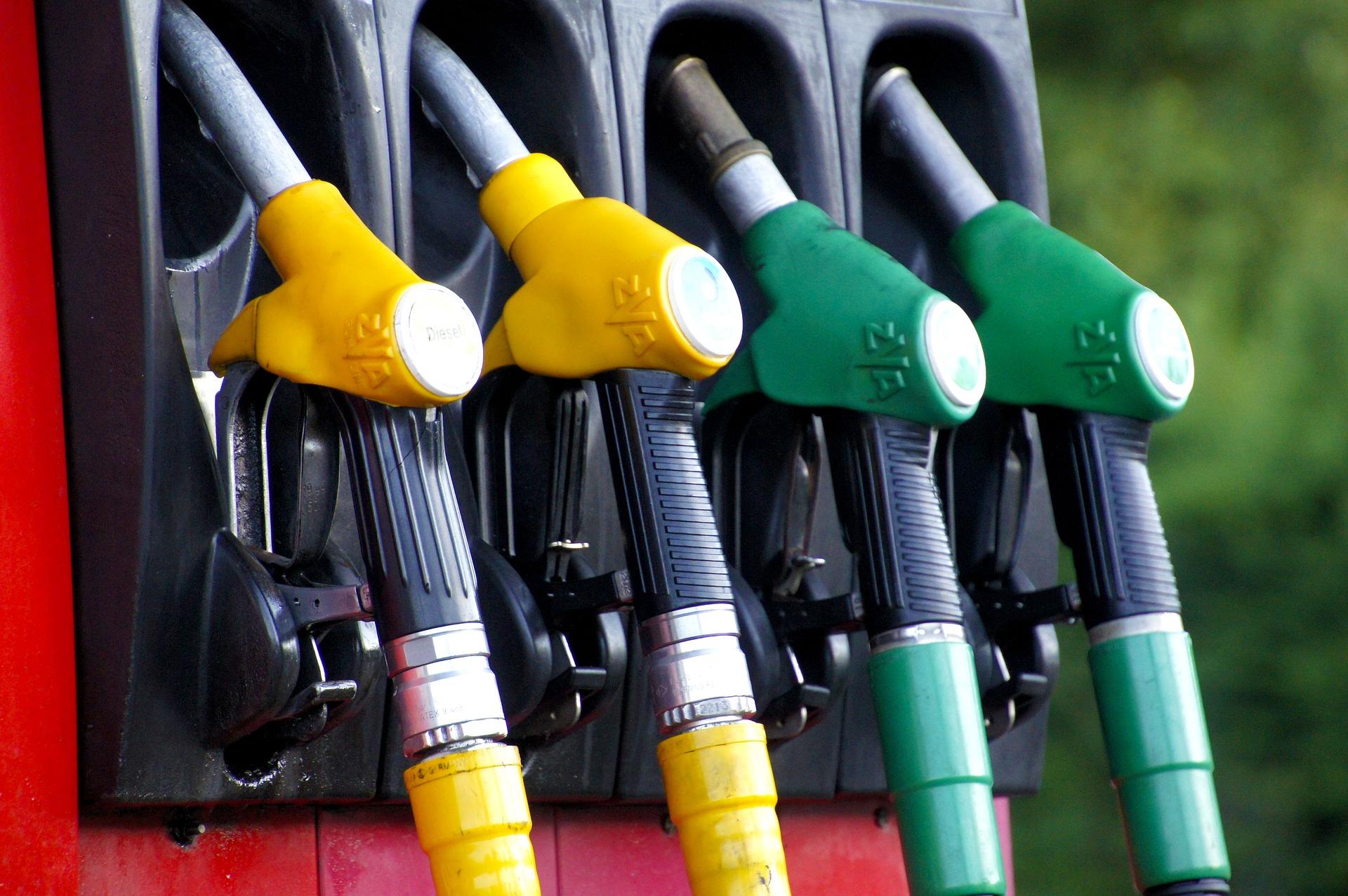 fuel-1596622_1920