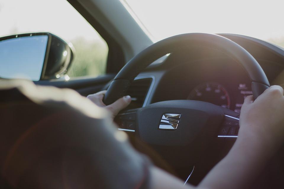steering-wheel-2209953_960_720